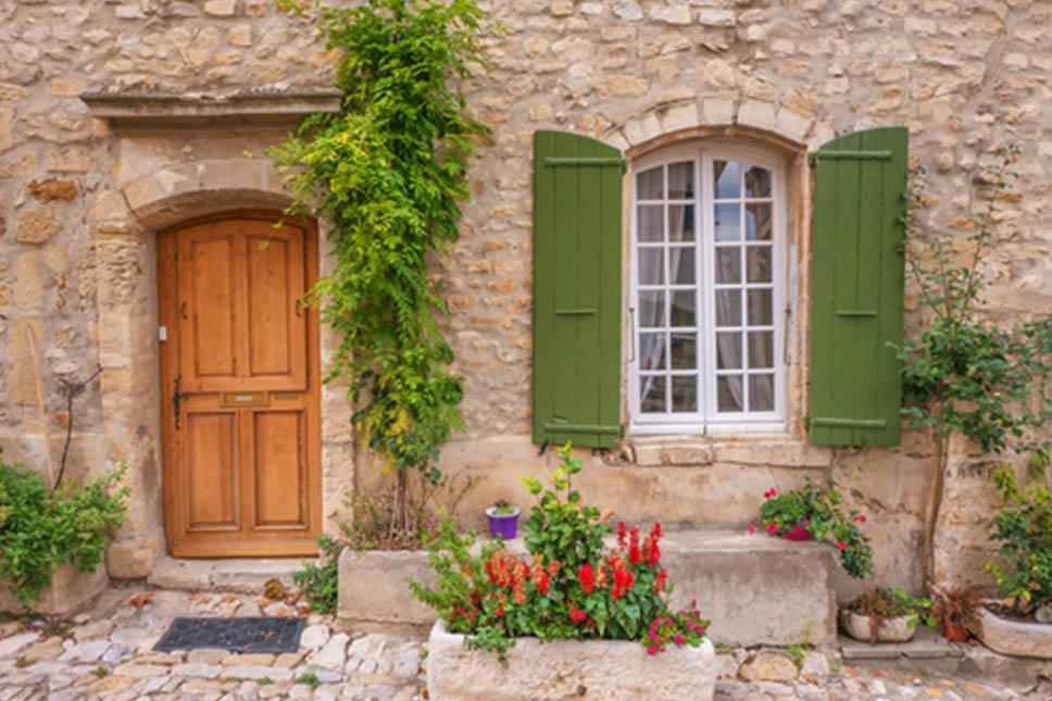 Overseas buyers of luxury French property keen on outdoor space