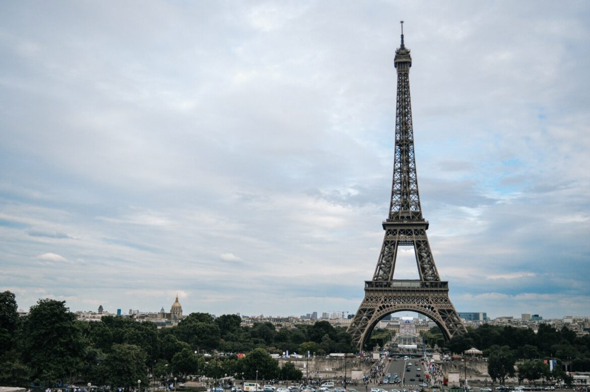 Know your Arrondissements – A Guide To The Neighborhoods of Paris