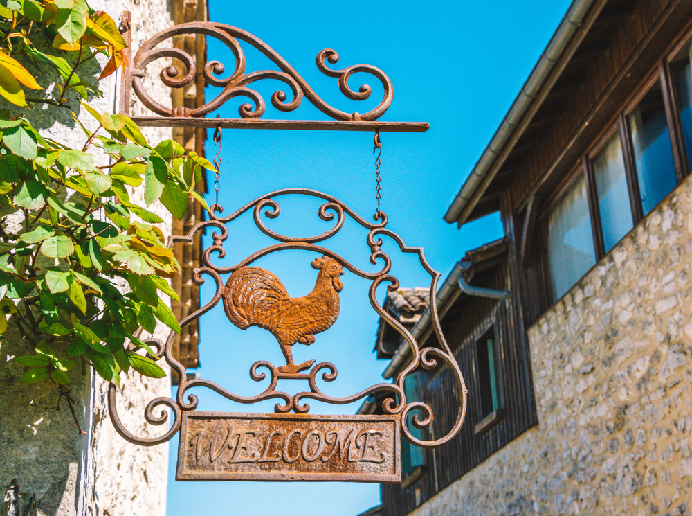 Checklist: Five things to do when you first arrive in France as an expat