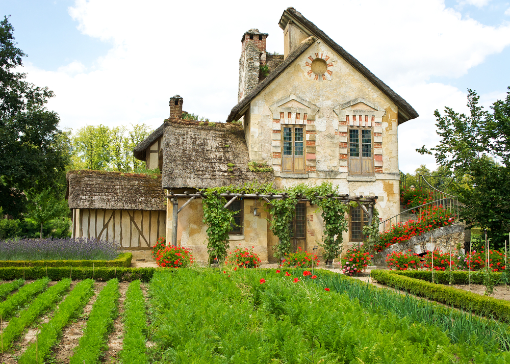 The seven steps of buying a home in France