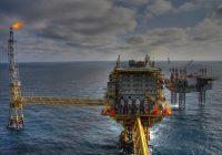 Petrolio, primo tentativo di rimbalzo. Oro e azionario a braccetto