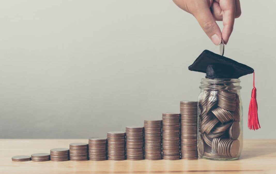 Tips on Money Saving as College Student