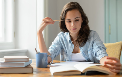 How To Write Impressive Essay Titles To Appeal Readers?