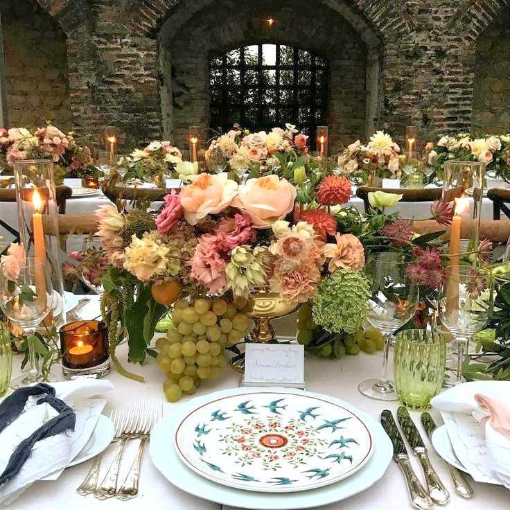 Italian wedding by Fiona Leahy. Laboratorio Paravicini plates