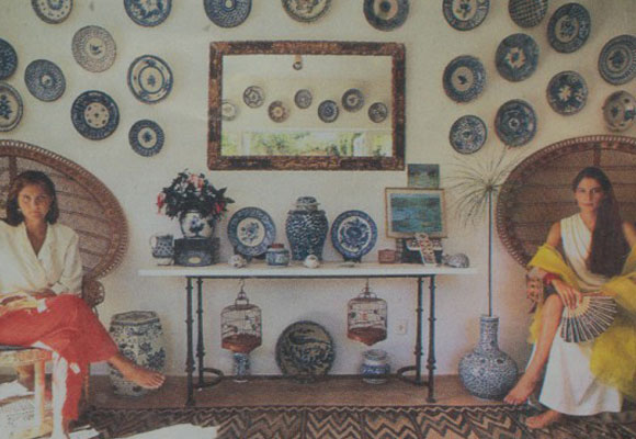 Sylvia and Eugenia Randolph at her home in Sotogrande photgraphed by Slim Aarons   Directorio Deco by Gloria Gonzalez