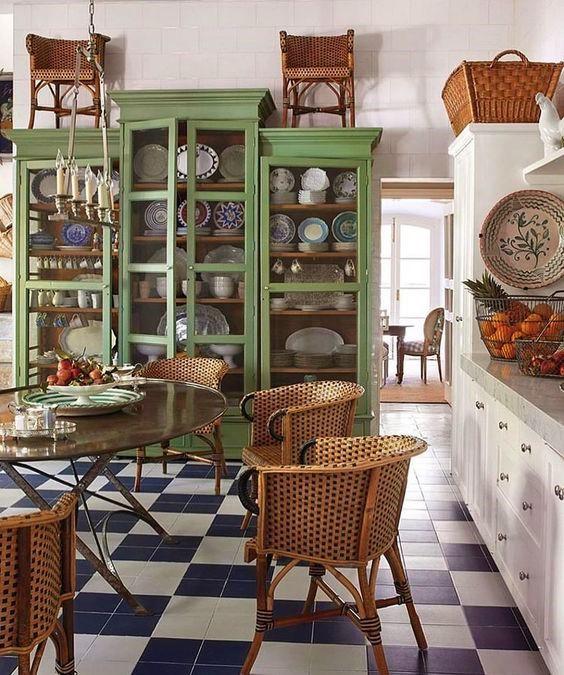 Casa Gusto green kitchen