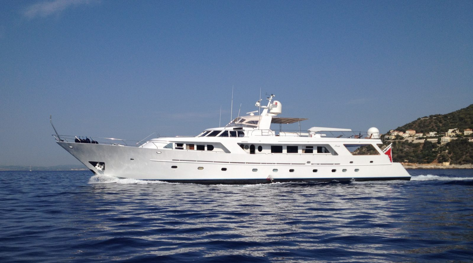 Luxury yacht for Charter | India by Benetti