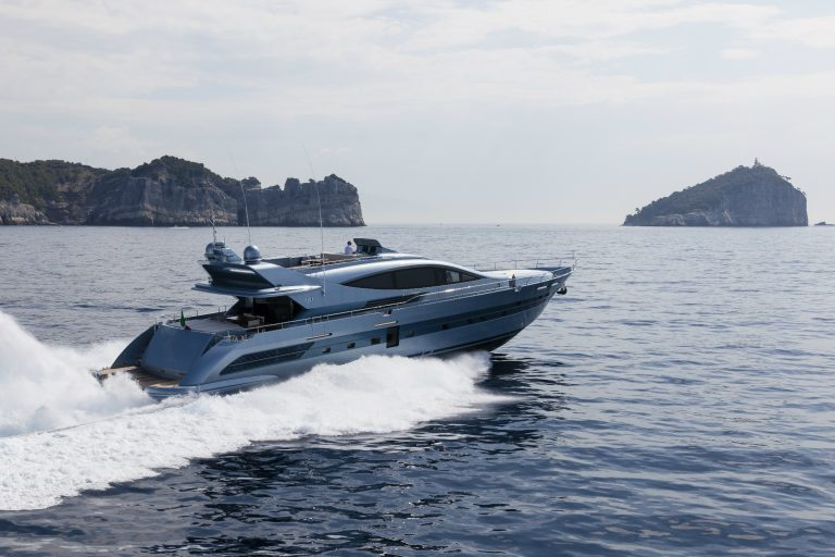 Luxury yacht for Sale | Cerri 102 Flying Sport by CCN - Cerri Cantieri Navali