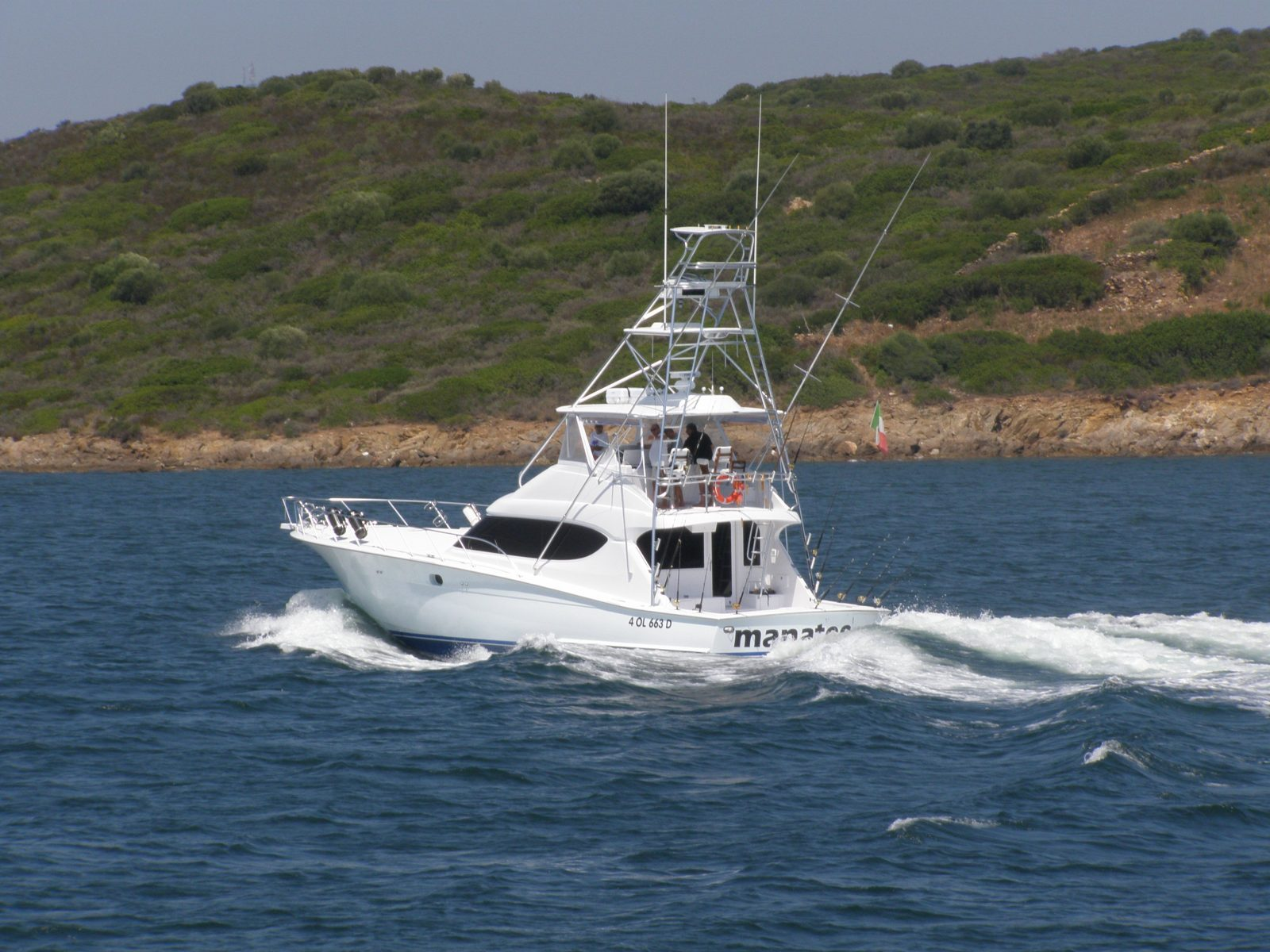 Luxury yacht for Sale | Manatee by Hatteras Yachts