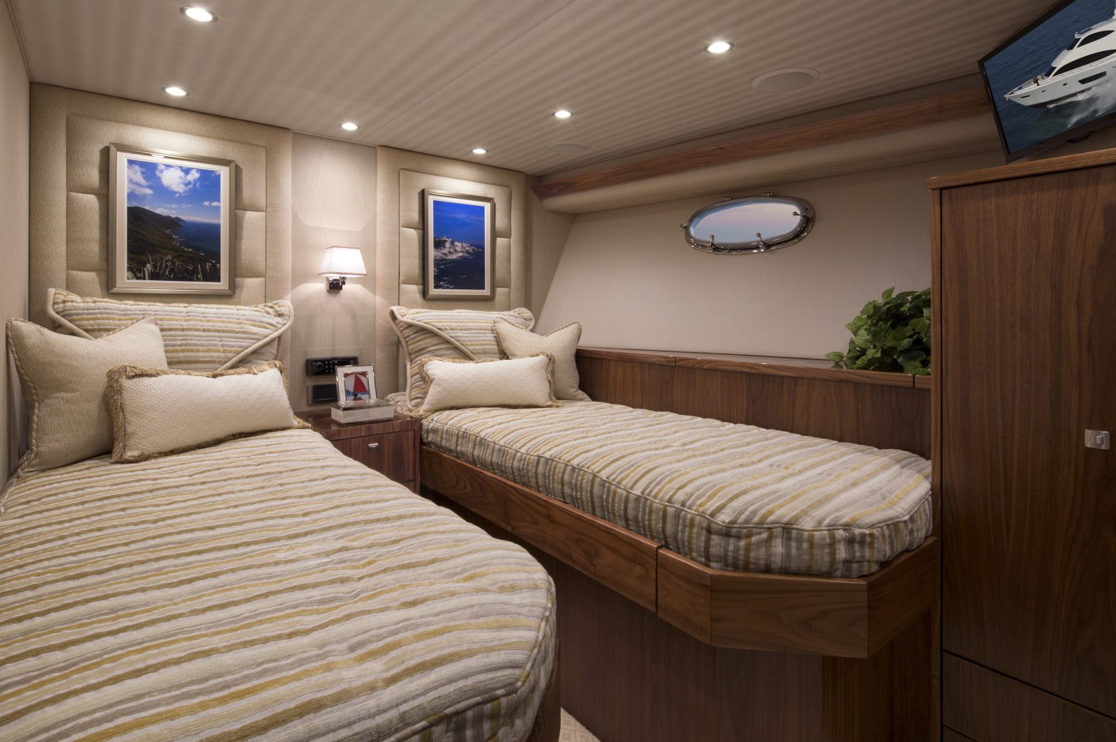 75my12 | 75 Motor Yacht