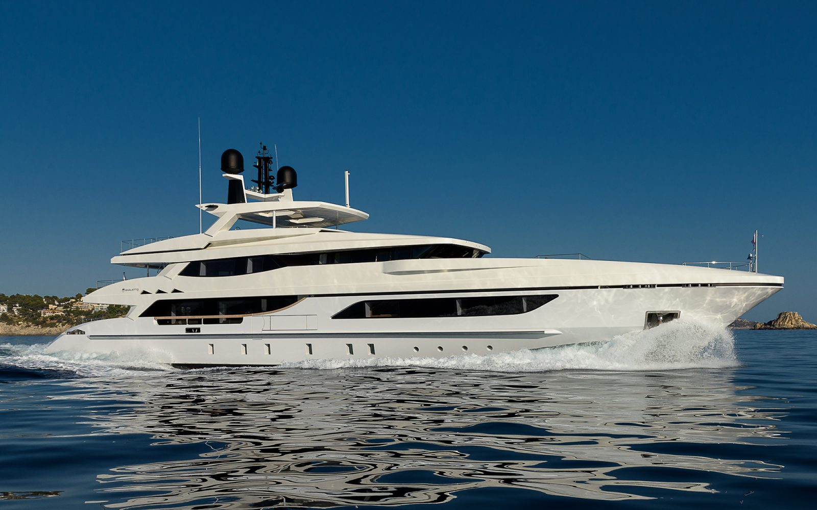Luxury yacht for Charter | Mr. T by Baglietto
