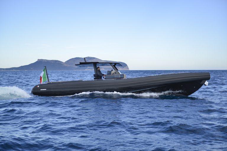 Black Shiver 120 IOB (5) | Black Shiver 120 (New) w/ Diesel Inboards