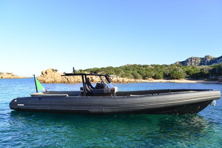 Black Shiver 120 IOB (6) | Black Shiver 120 (New) w/ Diesel Inboards