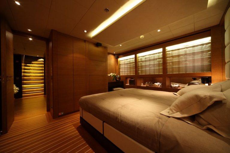 Double Cabin | Zaliv III