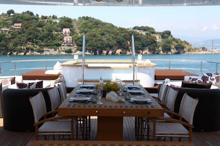 Sundeck Dining ii | Zaliv III