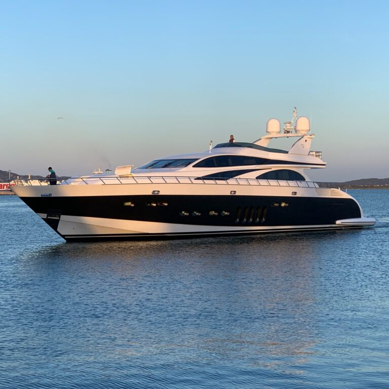 Luxury yacht for Sale or Charter | LIS by Leopard - Italyachts