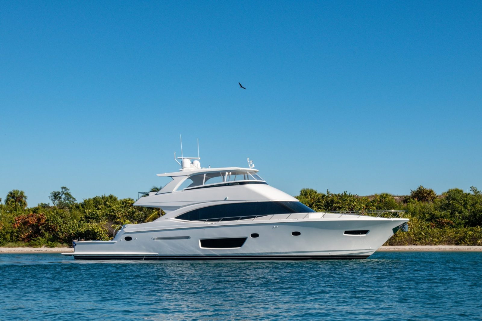 Luxury yacht for Sale | 82 Cockpit Motor Yacht by Viking Yachts
