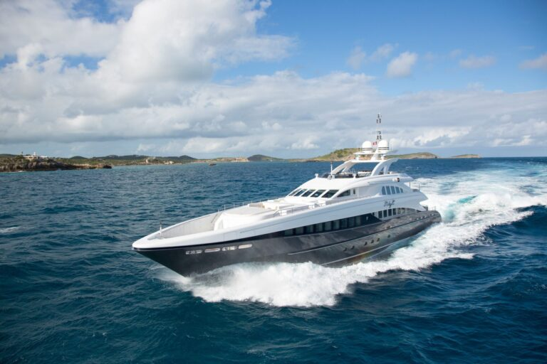 Luxury yacht for Charter | LADY L by Heesen