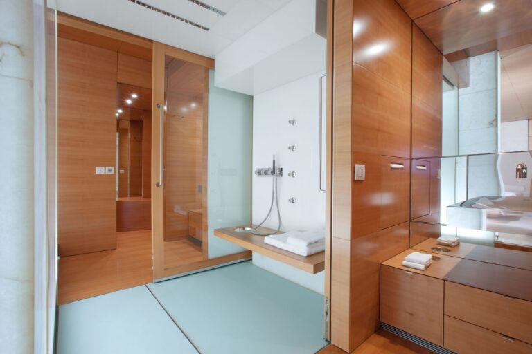 BM bathroom master cabin (2) | BLUE MAGIC