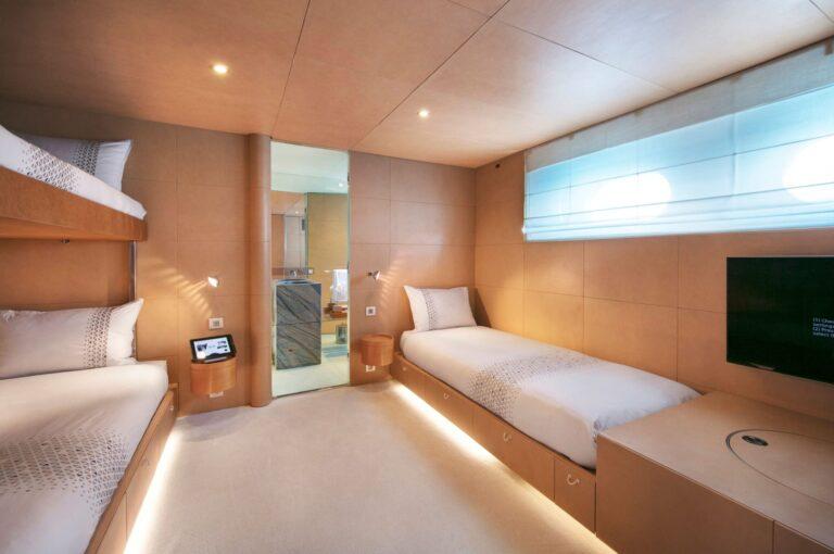 BM twin cabin 2 + pulman bed | BLUE MAGIC