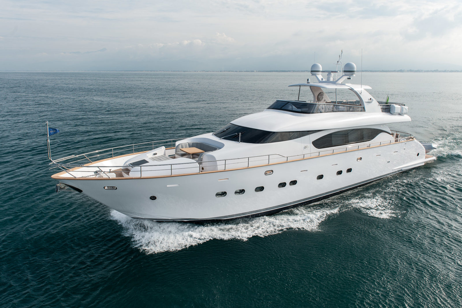 Luxury yacht for Charter | Miredo by Maiora
