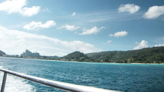 Ferry to Koh Phi Phi has spectacular views!!