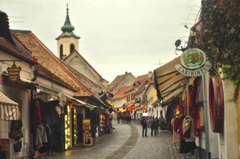 wanderlust bee from Budapest to szentendre day trip
