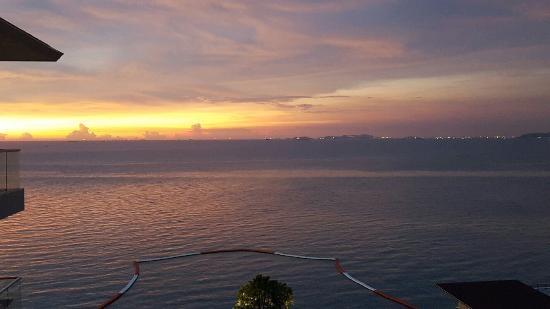 Wanderlustbee sunset Pattaya