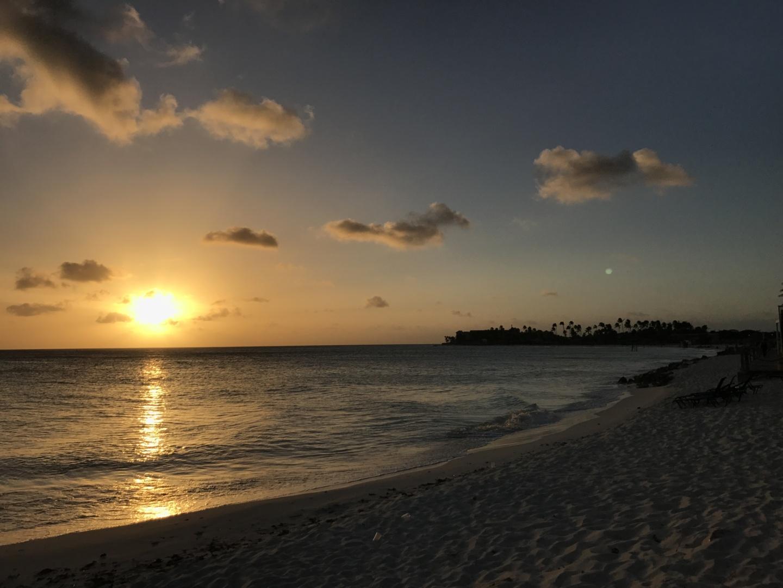 Wanderlustbee - beautiful beaches of aruba druif beach