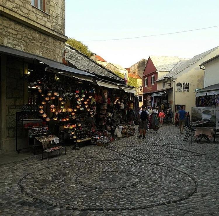 wanderlust bee Mostar - Bosnia and Herzegovina