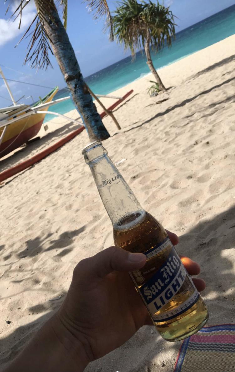 WanderlustBee - Three days in Boracay, Philippines