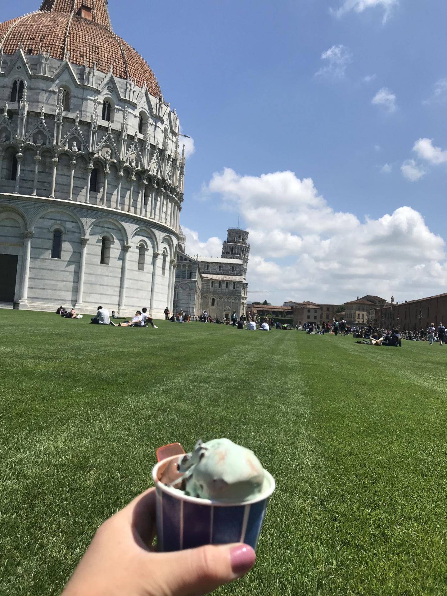Wanderlustbee, Pisa, Italy