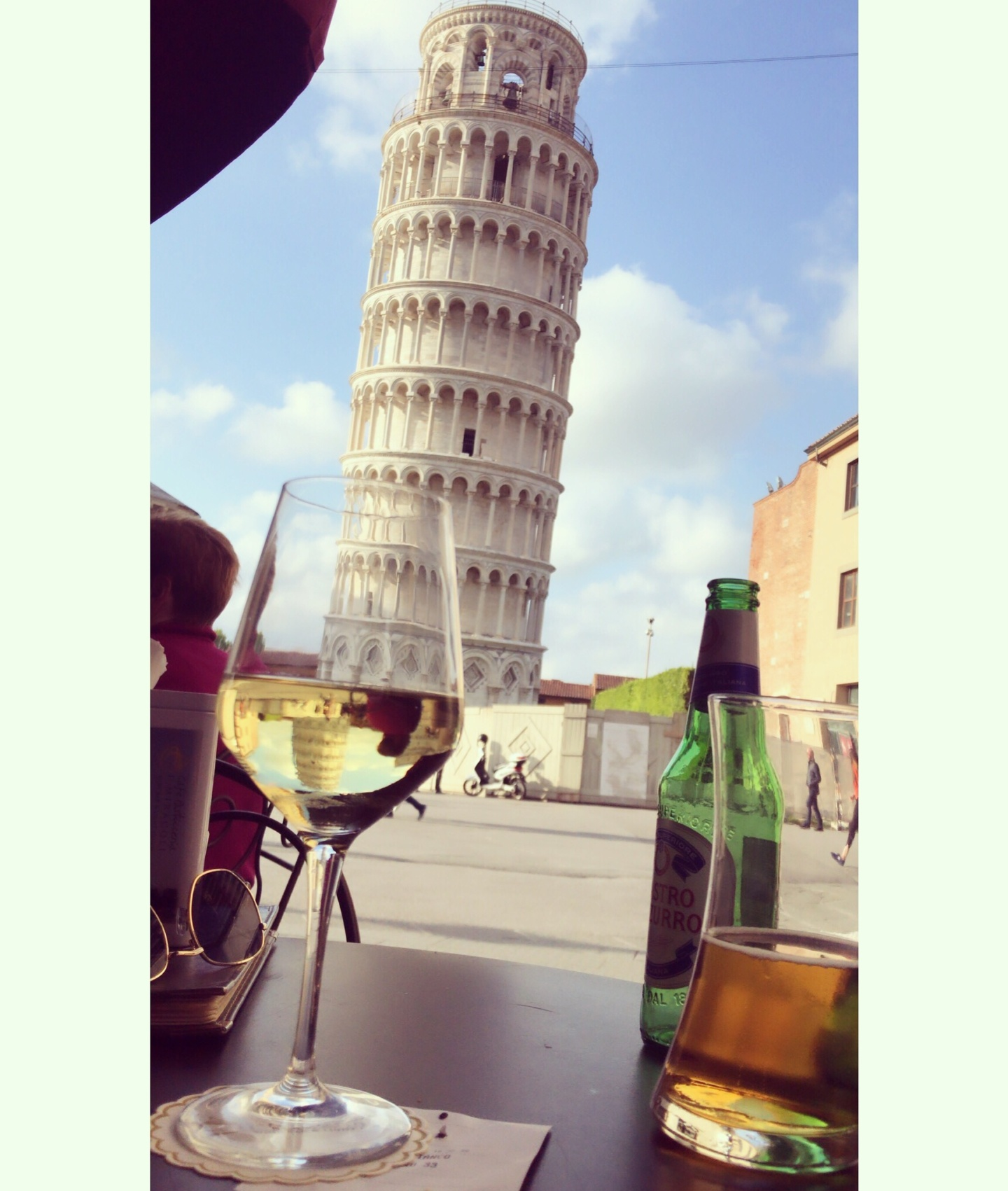 wanderlustbee, view of the leaning tower of pisa