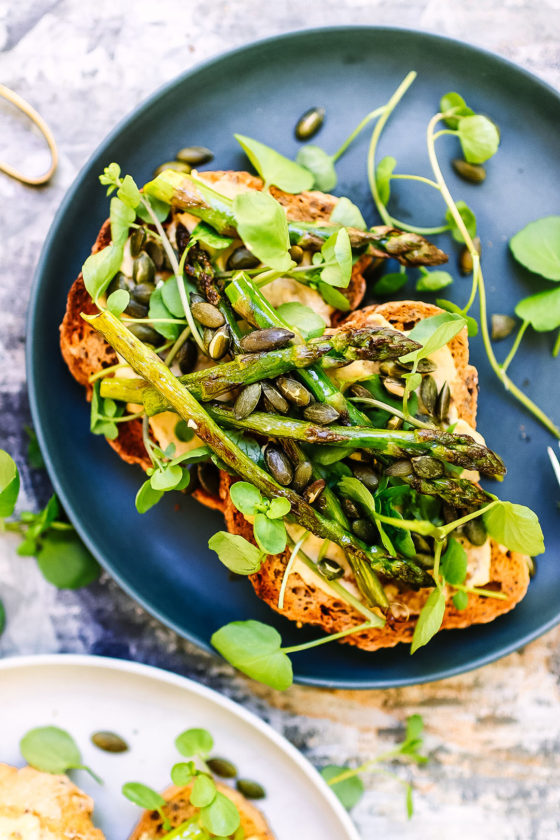 hummus & asparagus on toast