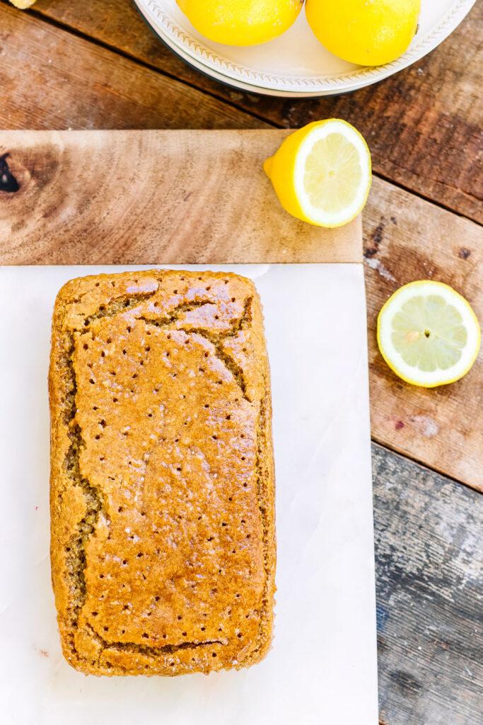 Lemon drizzle cake vegan