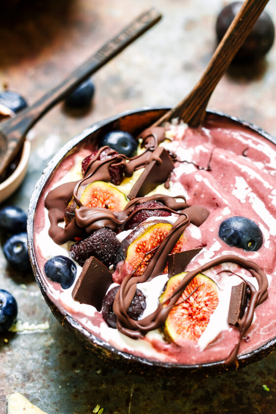 acai and cherry smoothie bowl