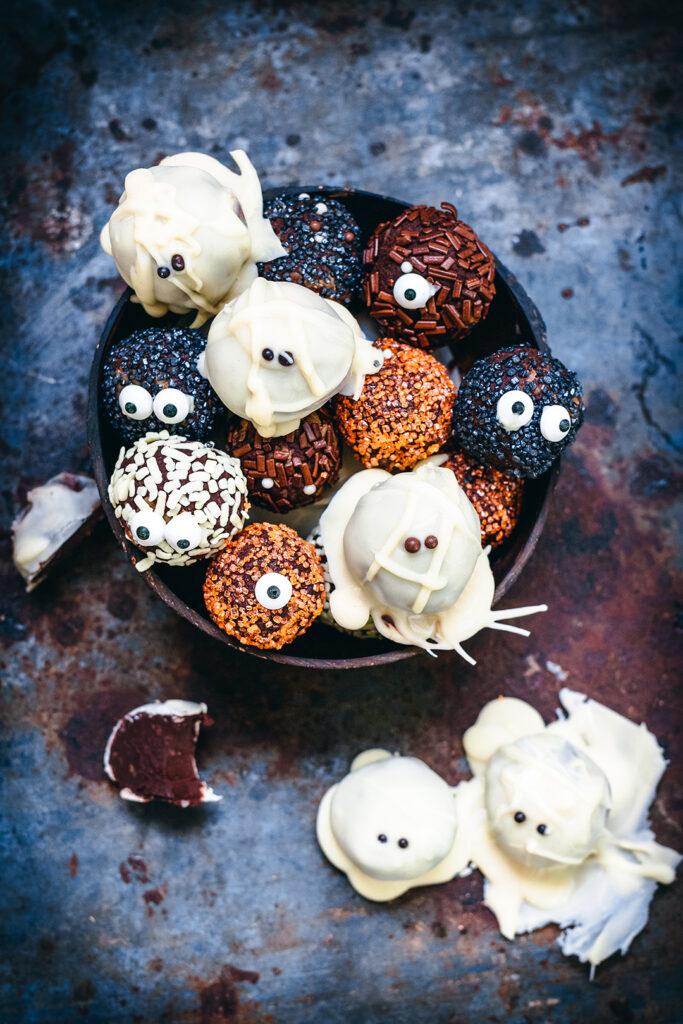 HT halloween spooktacular truffles coconut bowl 5