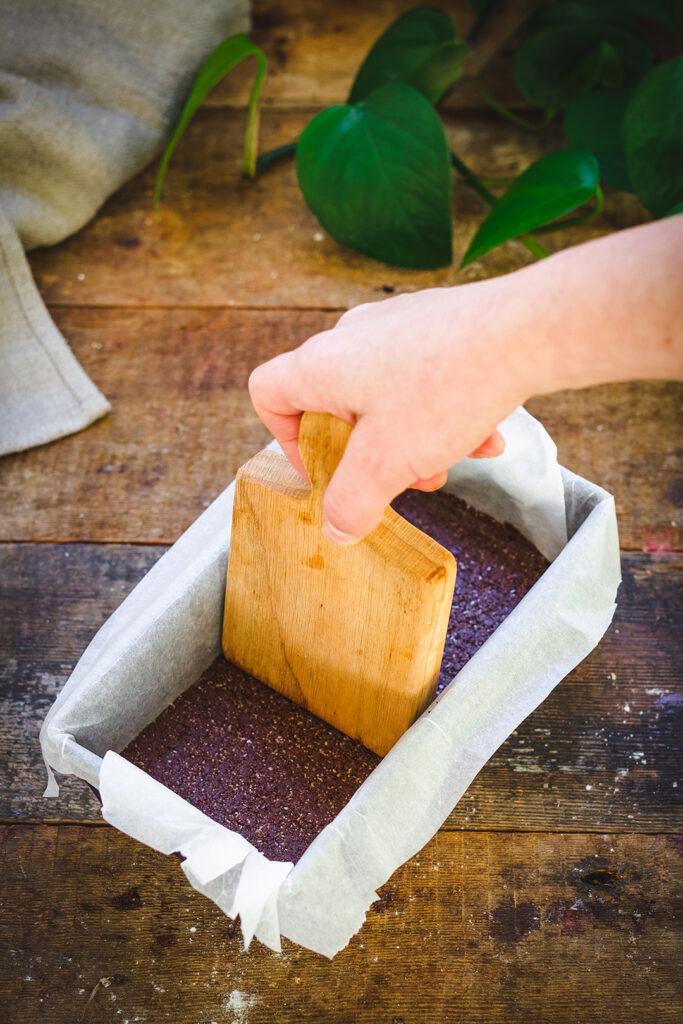 Caramel & Brazil nut chocolate bar base press down