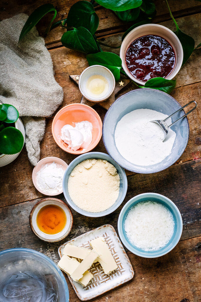 Jam pudding ingredients