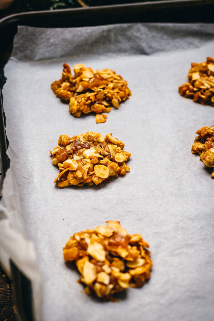 Apricot-and-Ginger-Florentines-baked