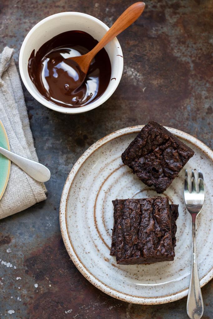 fudgy-vegan-chocolate-brownies