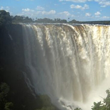 Best Vic Falls activities: 1. See The Smoke That Thunders