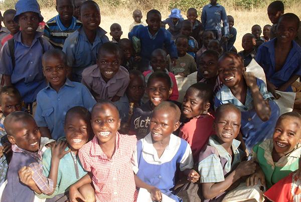 http://www.zimbabweschildren.org/