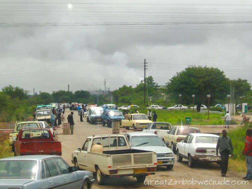 Great Zimbabwe Guide 2008 Fuel queue Harare