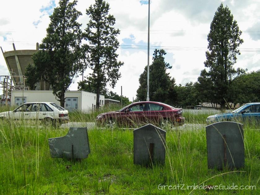 Great Zimbabwe Guide 2008 tombstones fuel queue
