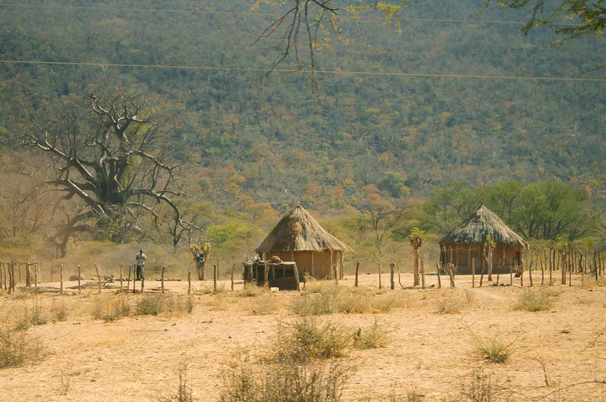 african huts zimbabwe