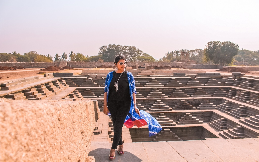Stepped tank in Hampi itinerary for 2 days