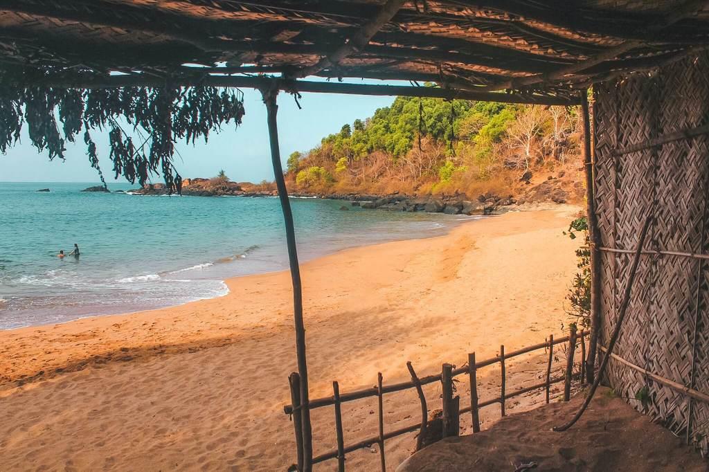 Gokarna beach trek guide - Half-moon beach