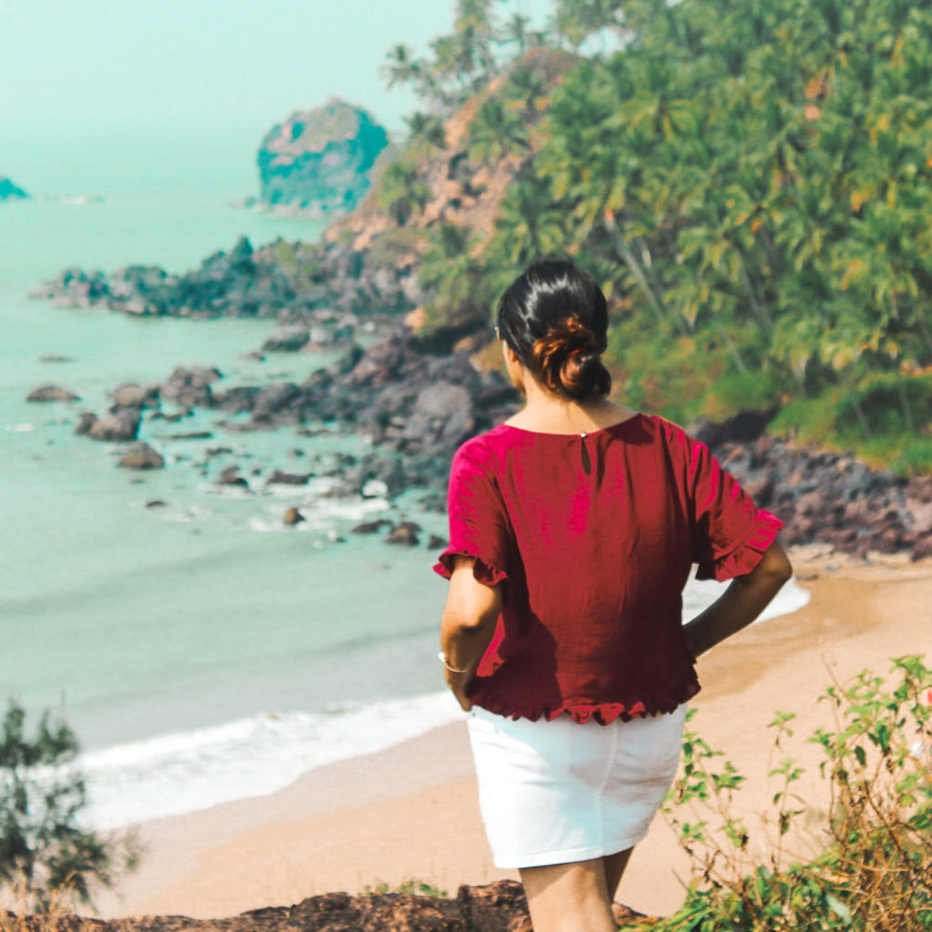 pack a white skirt for Goa trip