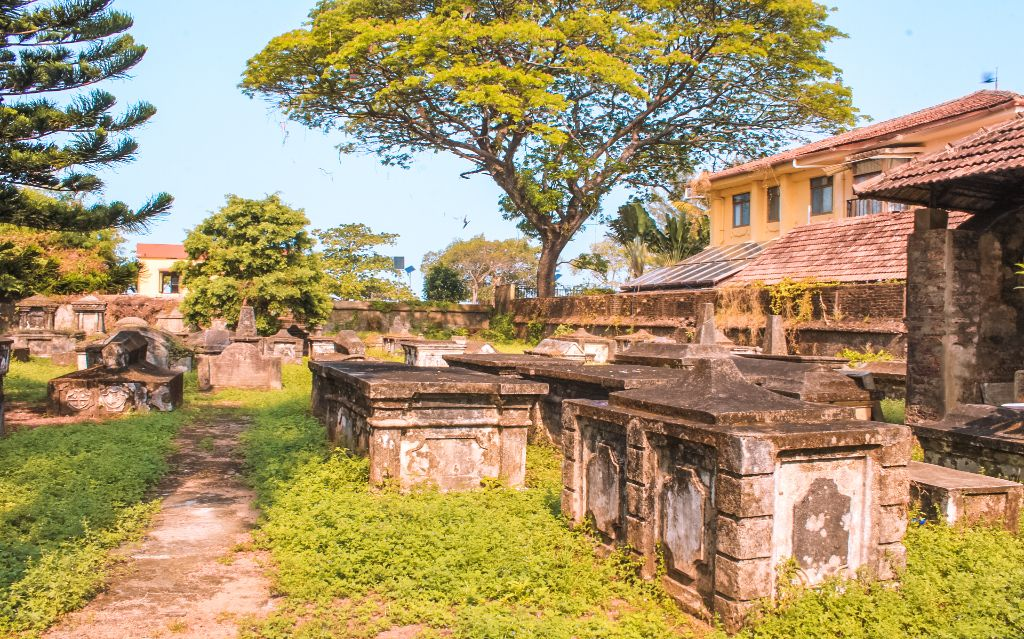 Dutch cemetery - Places to visit in Fort Kochi and Mattancherry